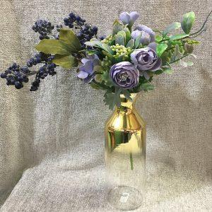 aranjament cu flori decorative